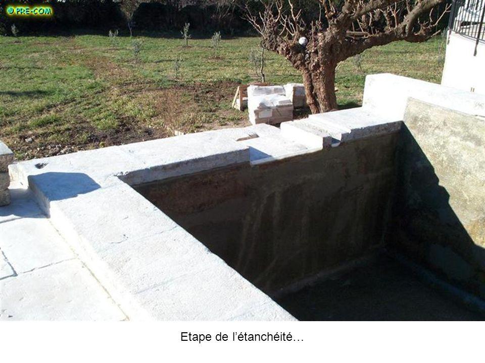 Le revêtement polyester armé vient confirmer létanchéité de cet ancien bassin… Un enduit ciment ne suffirait pas pour assurer létanchéité de lensemble