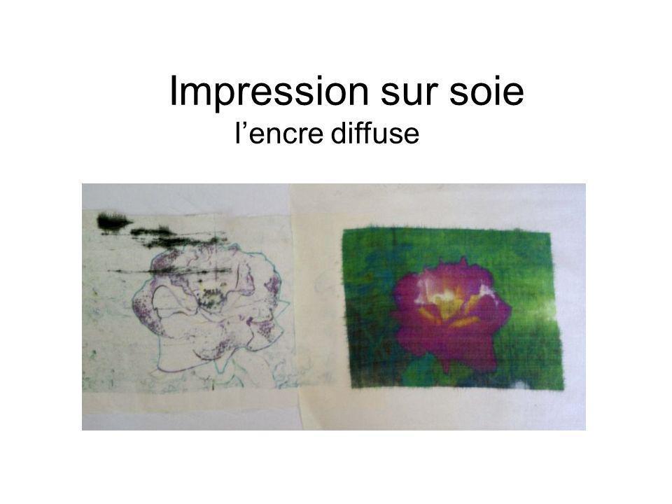 Impression sur soie lencre diffuse