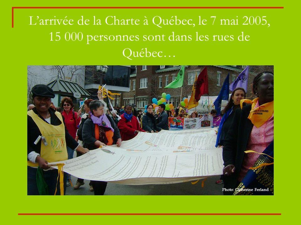 Larrivée de la Charte à Québec, le 7 mai 2005, 15 000 personnes sont dans les rues de Québec… Photo: Catherine Ferland