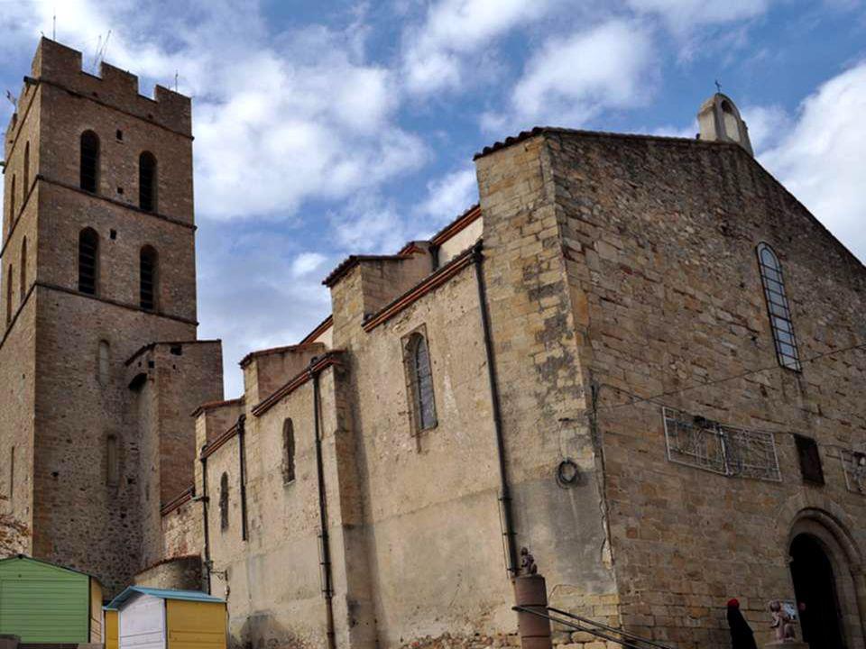 L'église d'Argelès a été construite semble-t-il dans la première moitié du XIV° siècle. Elle succède à une autre église dont il est fait mention pour