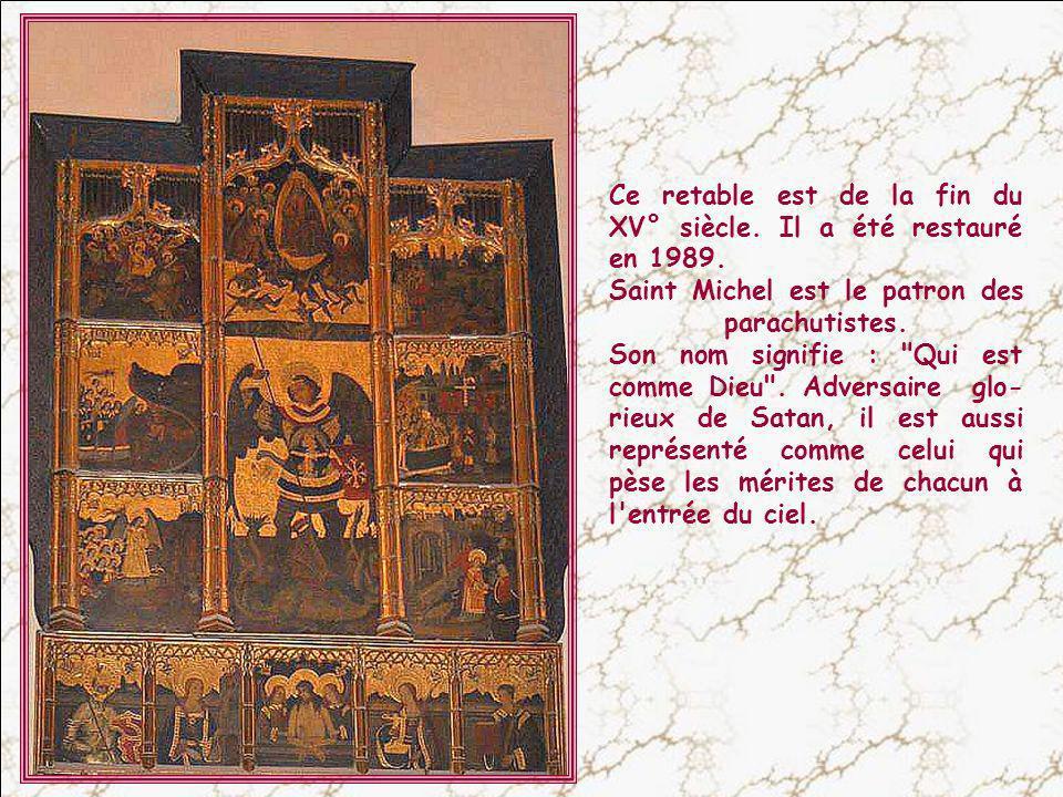 Des autels richement décorés.