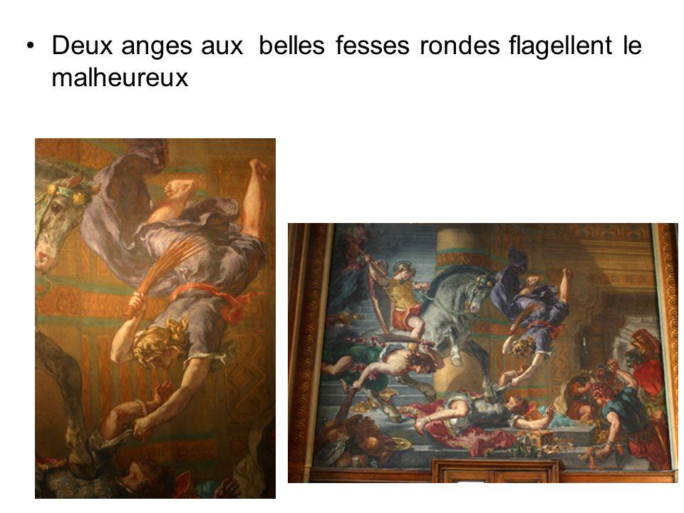 Deux anges aux belles fesses rondes flagellent le malheureux