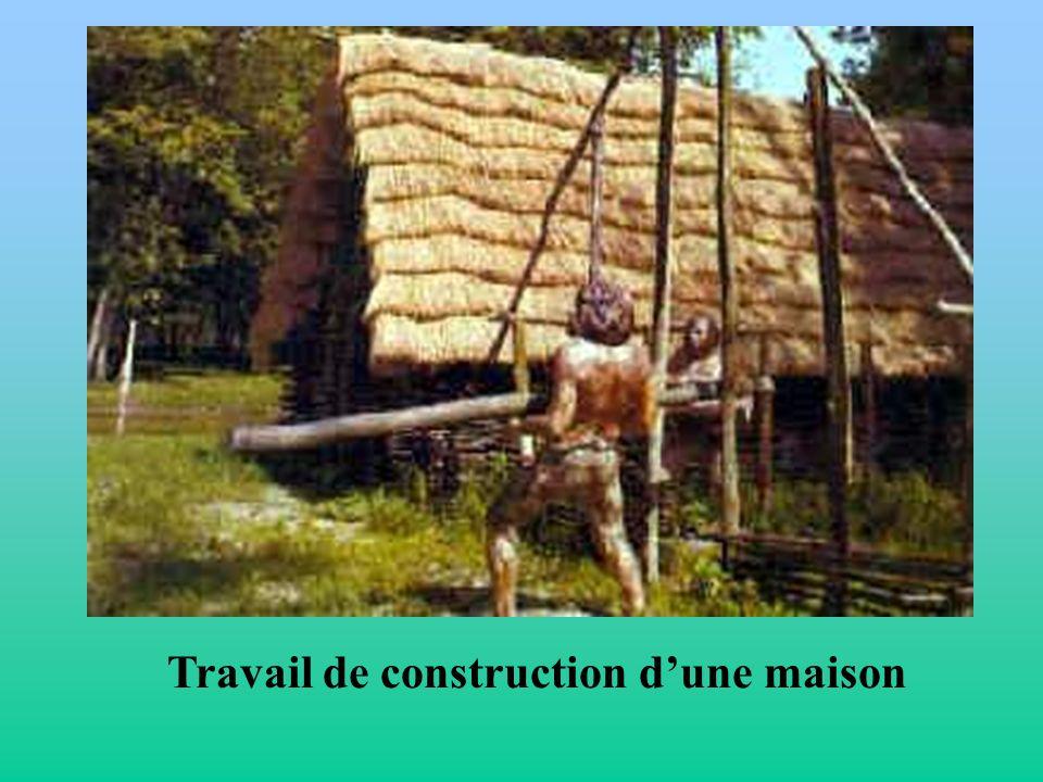 Travail de construction dune maison