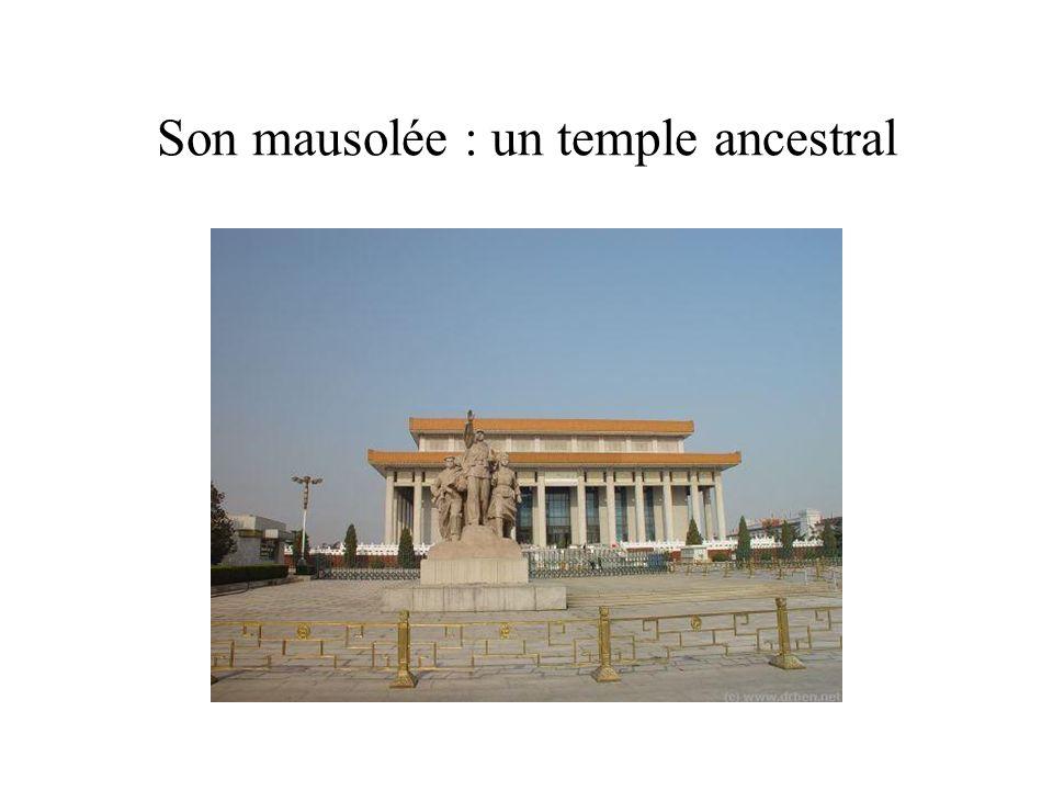 Son mausolée : un temple ancestral