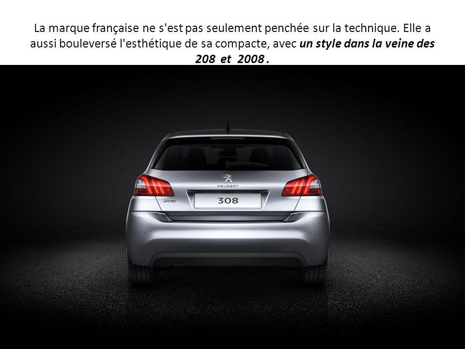 La marque française ne s'est pas seulement penchée sur la technique. Elle a aussi bouleversé l'esthétique de sa compacte, avec un style dans la veine
