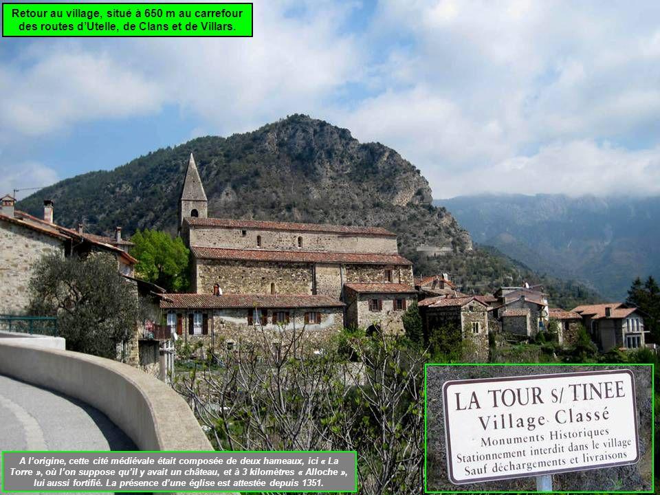 Retour au village, situé à 650 m au carrefour des routes dUtelle, de Clans et de Villars.