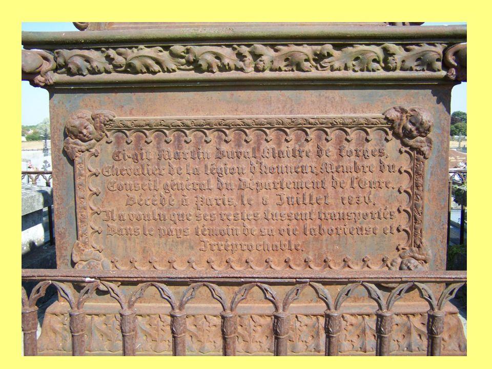 Ca y est ! Les derniers arrivent ! La boîte aux lettres portable « Delachenal 1911 » était acheminée de la mairie à la gare à pied ou à cheval Le maus