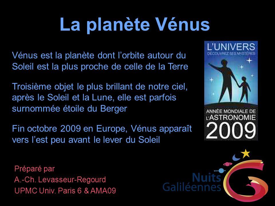 Mouvements de Vénus Avec une distance moyenne au Soleil égale à 0,723 fois celle de la Terre au Soleil, Vénus décrit son orbite en 0,615 année En 1957, lastronome amateur Charles Boyer a découvert depuis Brazzaville une structure nuageuse en forme de Y tournant en environ 4 jours, bien visible dans lultraviolet proche La planète tourne bien plus lentement que ses nuages autour de son axe, avec période de rotation axiale qui atteint 243 jours Autour de Vénus (Pioneer-Venus, Nasa)