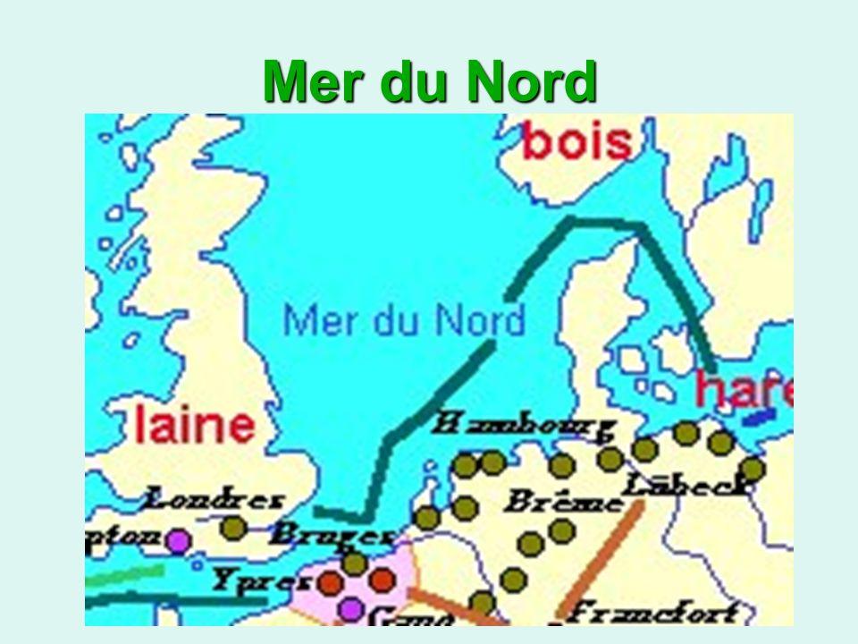 Au Nord de lEurope, il y avait une puissante association de villes germaniques et scandinaves nommée la Hanse.