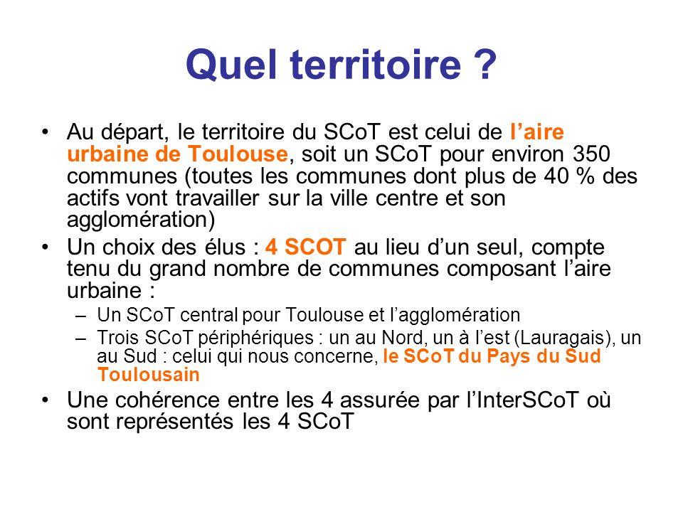 Quel territoire ? Au départ, le territoire du SCoT est celui de laire urbaine de Toulouse, soit un SCoT pour environ 350 communes (toutes les communes