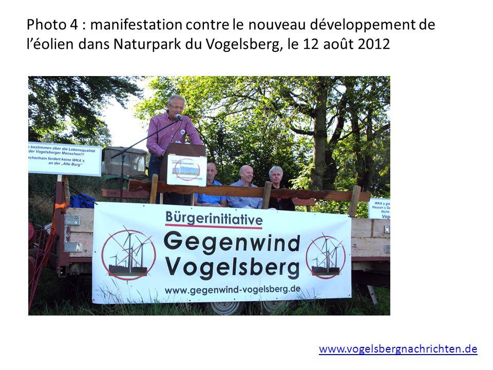 Photo 4 : manifestation contre le nouveau développement de léolien dans Naturpark du Vogelsberg, le 12 août 2012 www.vogelsbergnachrichten.de
