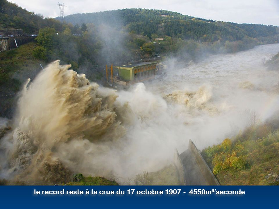 3100 m 3 d eau par seconde