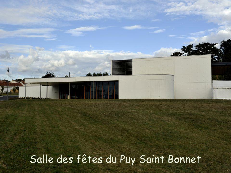 Salle des fêtes du Puy Saint Bonnet