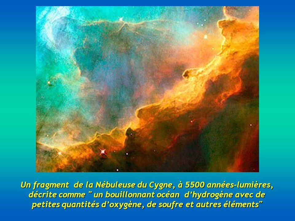 Un fragment de la Nébuleuse du Cygne, à 5500 années-lumières, décrite comme