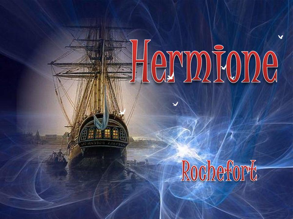 Dans un des bassin de radoub de l arsenal de Rochefort, bâti sous Louis XIV, une association travaille depuis 1997 à la construction d une réplique de la frégate Hermione .C est à bord de ce navire, lancé en 1779, que le marquis de La Fayette traversa l Atlantique en 1780 pour revenir en Amérique et apporter une aide militaire aux partisans de l indépendance.