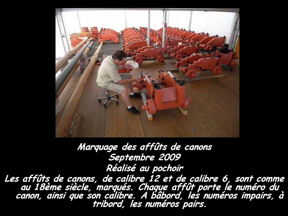 Décembre 2008 Sur le sep de drisse du mât de misaine Le sep de drisse est une sorte de palan qui sert à hisser les vergues. Ici, il s'agit du sep de d