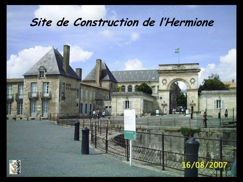 lHermione : Mât dartimon, bout dehors et base du grand mât de 27 mètres