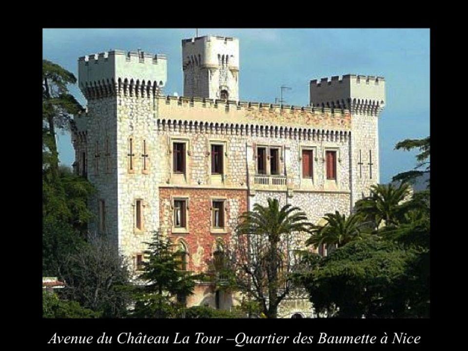 Il a été achevé en 1879 pour le Comte Joseph Victor dAspromont. Après une brillante carrière militaire il sétait retiré en 1869 à Nice. Il fut le prés