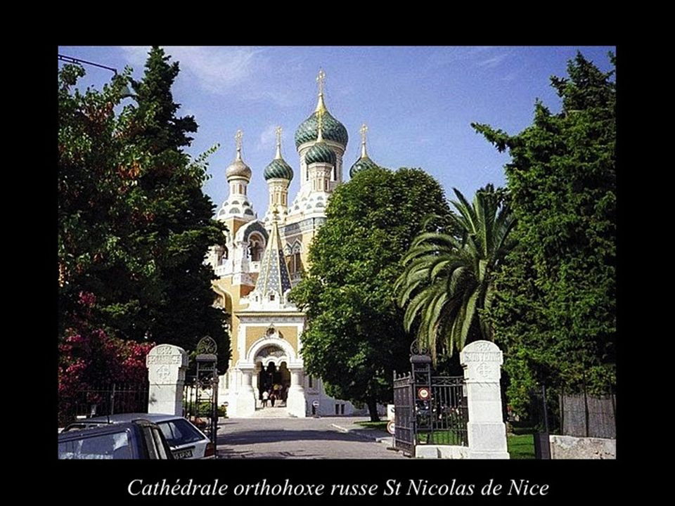 Il a été achevé en 1879 pour le Comte Joseph Victor dAspromont.
