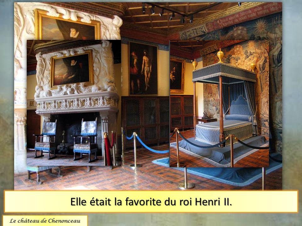 La chambre de Diane Poitiers. Elle était la favorite du roi Henri II. Le château de Chenonceau