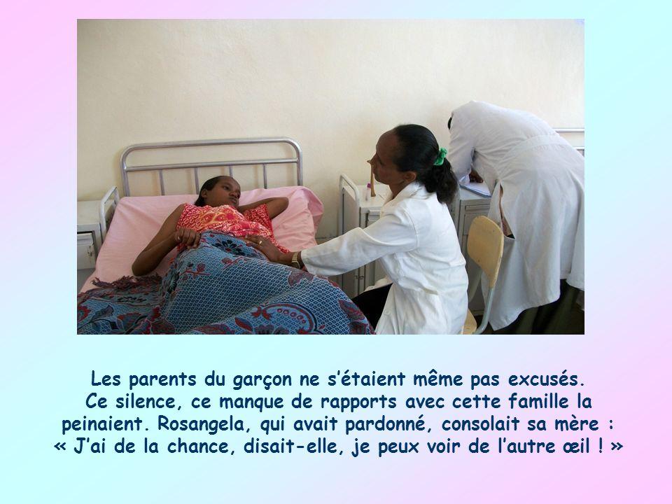 Je me souviens de lhistoire dune mère de famille africaine dont la fille, Rosangela, avait perdu un œil, victime de lagression dun petit garçon qui lavait blessée avec une canne et continuait à limportuner.