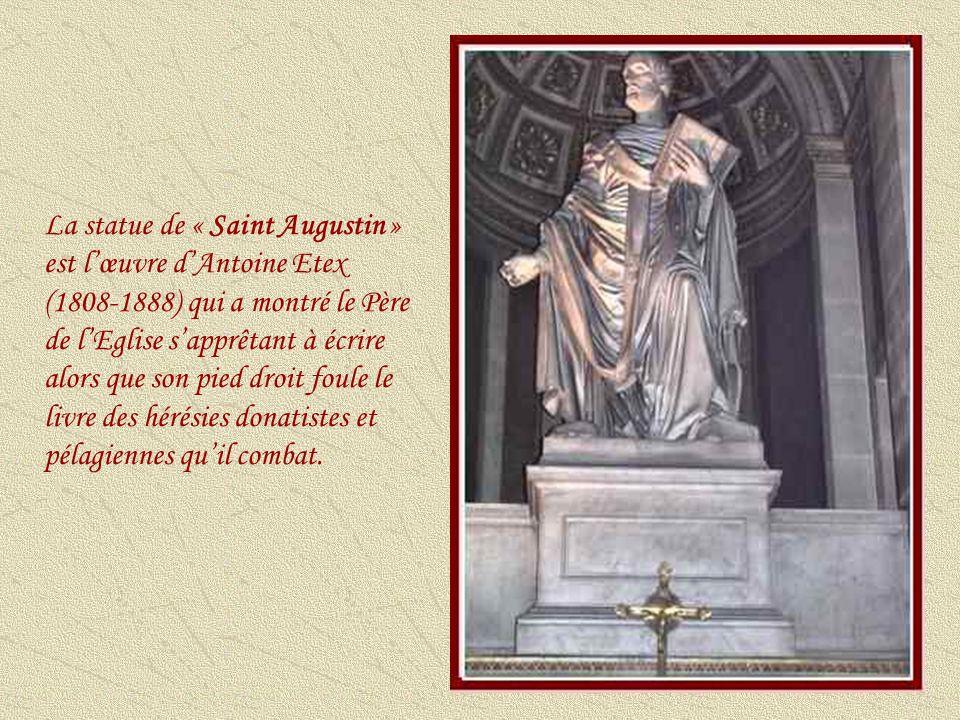 La statue de « La Bienheureuse Jeanne dArc » est antérieure à la canonisation de lhéroïne médiévale.