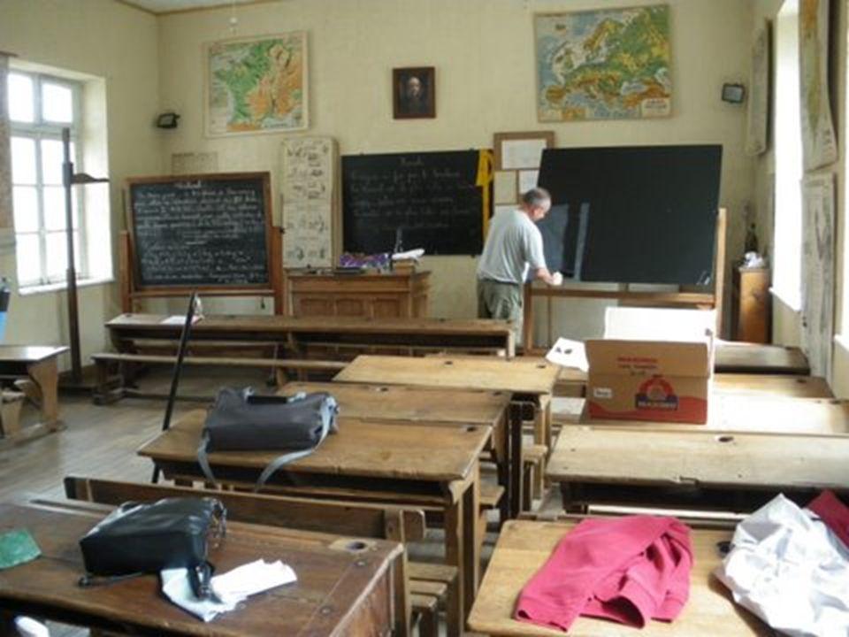 des écoles quici est là quelques bénévoles font revivre comme à WOIMBEY elle sapprenait dans des écoles semblables Montez le son