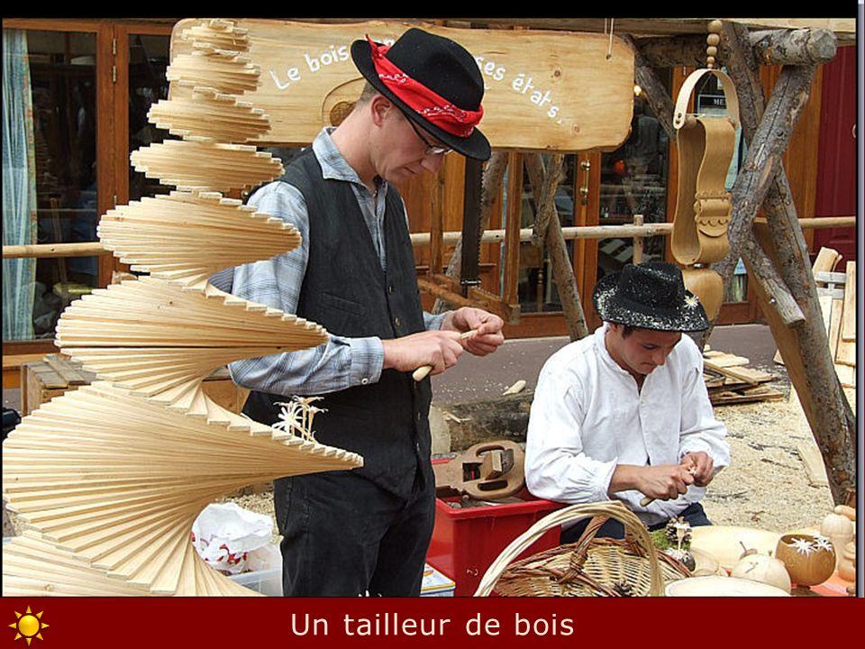 Un tailleur de bois