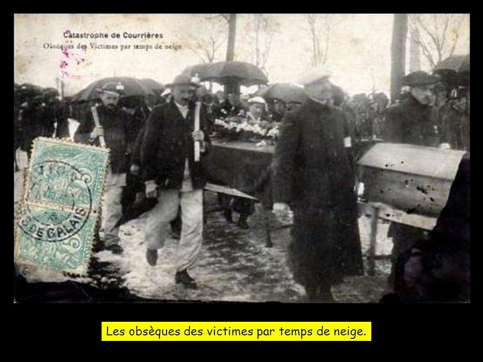 13 Mars 1906 - Vers le cimetière, sous louragan de neige.