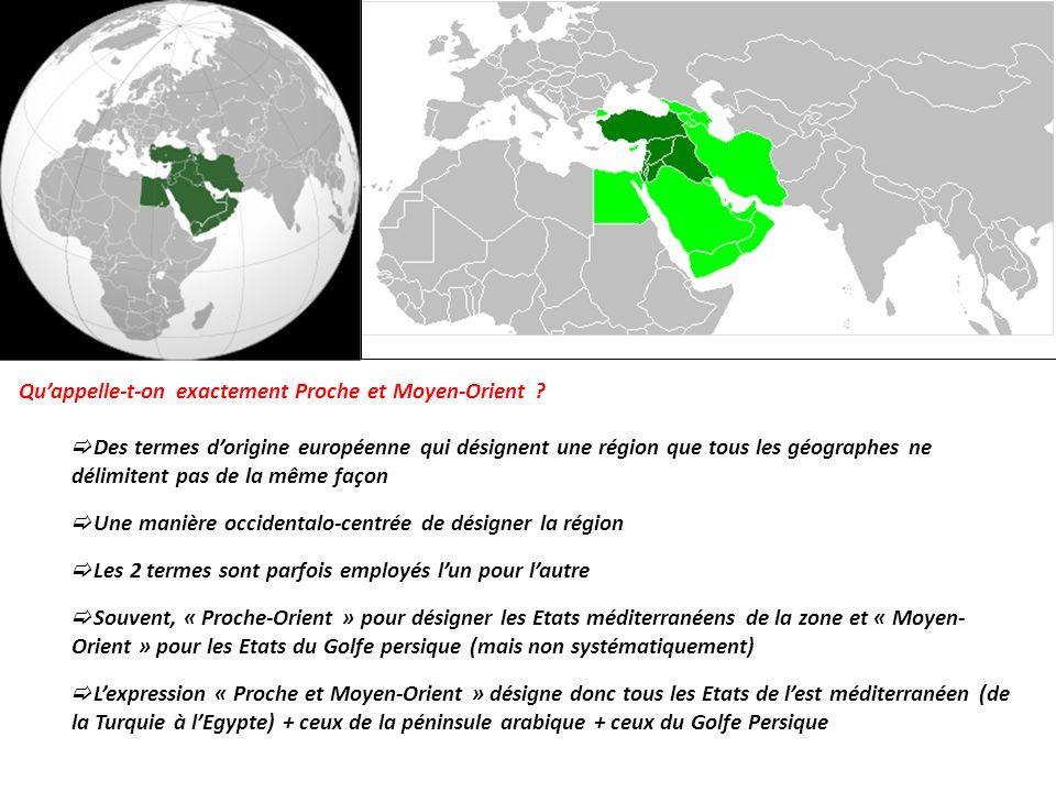LES MULTIPLES ENJEUX QUI CARACTÉRISENT LE PROCHE ET LE MOYEN- ORIENT DES EXEMPLES DE TENSIONS ET LES CONFLITS MAJEURS QUI RÉSULTENT DE CES ENJEUX LES RÉSONNANCES DE CES TENSIONS À LÉCHELLE MONDIALE A léchelle du Proche et du Moyen-Orient Dans le cas particulier du conflit israélo-palestinien Diversité religieuse Mosaïque de religions Deux grands courants de lislam Deux grands courants de lislam (Sunnisme et Chiisme) Importance des communautés chrétiennes et juives Développement du fondamentalisme chiite ou sunnite, qui peut semparer du pouvoir (Iran) ou pratiquer le terrorisme Tensions politiques entre chiite et sunnite Tensions politiques entre chiite et sunnite pour le contrôle du pouvoir dans de nombreux Etats (Syrie, Irak) Présence des lieux saints Présence des lieux saints de La Mecque et Médine contrôlés par lArabie Saoudite critiquée par lIran Islam palestinien /Judaïsme israélien JérusalemJérusalem, lieu saint pour les trois grands monothéismes qui sen disputent historiquement le contrôle Siège historique des trois grands monothéismes (judaïsme, christianisme, islam) islam Pression démographique Pression démographique et développement Population globalement très jeune et en forte croissancePopulation globalement très jeune et en forte croissance, malgré une accélération de la transition démographique Mal développementMal développement, fortes inégalités socio-spatiales à toutes les échelles Chômage massif des jeunes Difficultés économiques et sociales qui poussent à la contestation et à la montée des extrémismes Corruption des dirigeantsCorruption des dirigeants, des armées qui confisquent les ressources Croissance démographique différenciéeCroissance démographique différenciée entre Israéliens et Palestiniens Sous-développement des territoires palestiniens, maintenus dans unes situation parfois proche de lasphyxie économique Une région mal- développée aux portes de lEurope Une région riche en ressources, dont les populations ne profitent pas