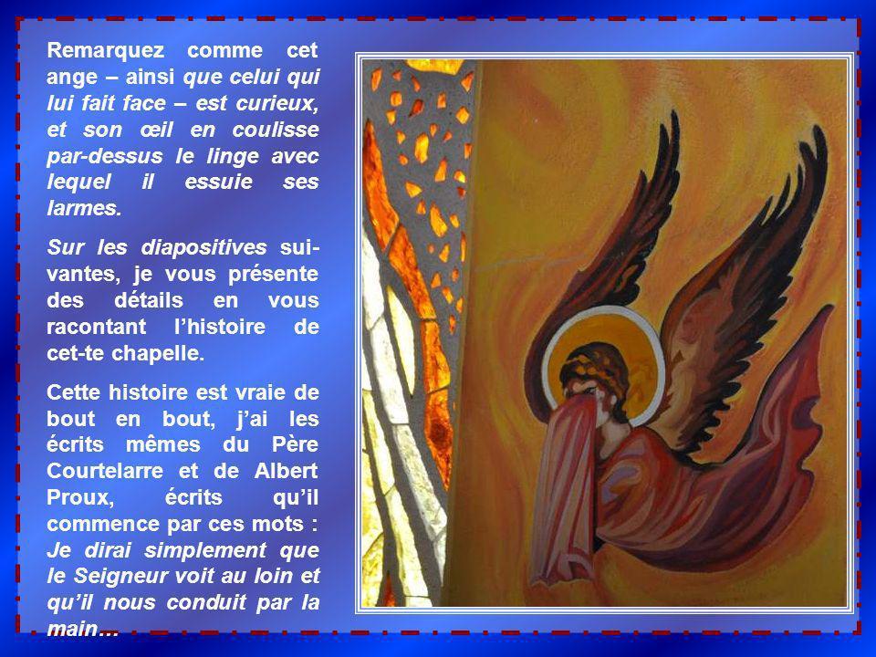 Remarquez comme cet ange – ainsi que celui qui lui fait face – est curieux, et son œil en coulisse par-dessus le linge avec lequel il essuie ses larmes.