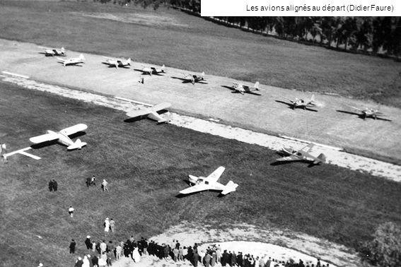 Les avions alignés au départ (Didier Faure)