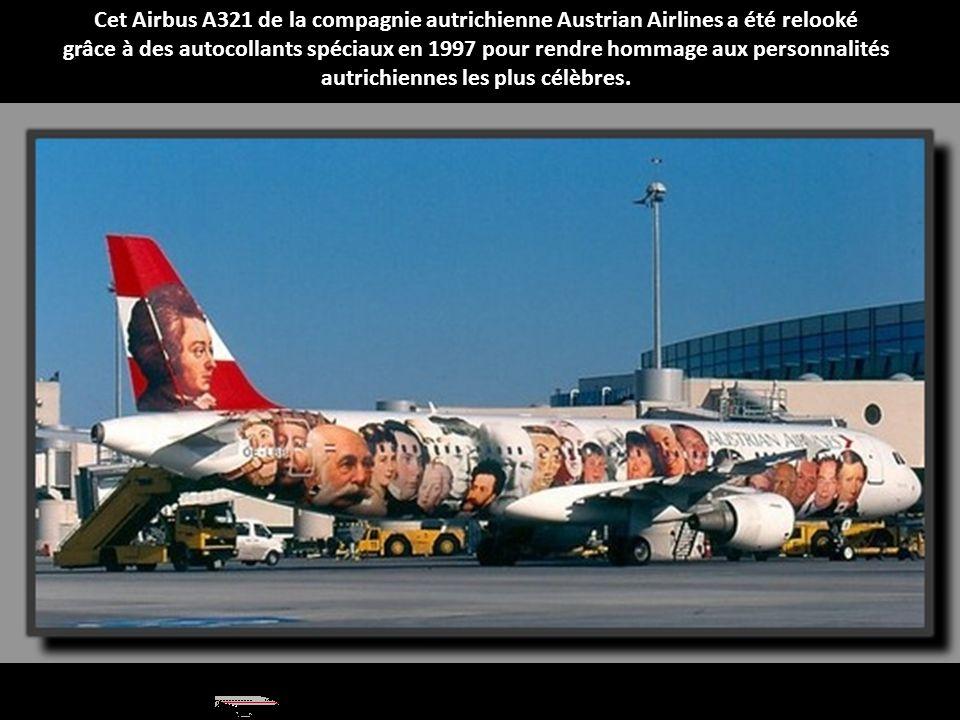 Cet Airbus A321 de la compagnie autrichienne Austrian Airlines a été relooké grâce à des autocollants spéciaux en 1997 pour rendre hommage aux personnalités autrichiennes les plus célèbres.