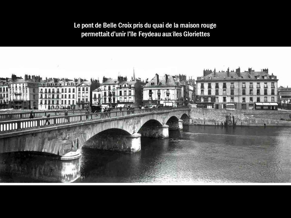 Le pont de Belle Croix pris du quai de la maison rouge permettait dunir lîle Feydeau aux îles Gloriettes