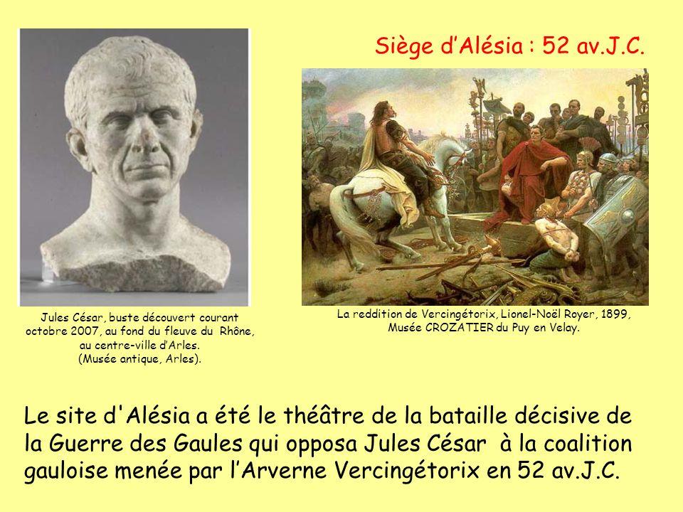 Siège dAlésia : 52 av.J.C. La reddition de Vercingétorix, Lionel-Noël Royer, 1899, Musée CROZATIER du Puy en Velay. Jules César, buste découvert coura