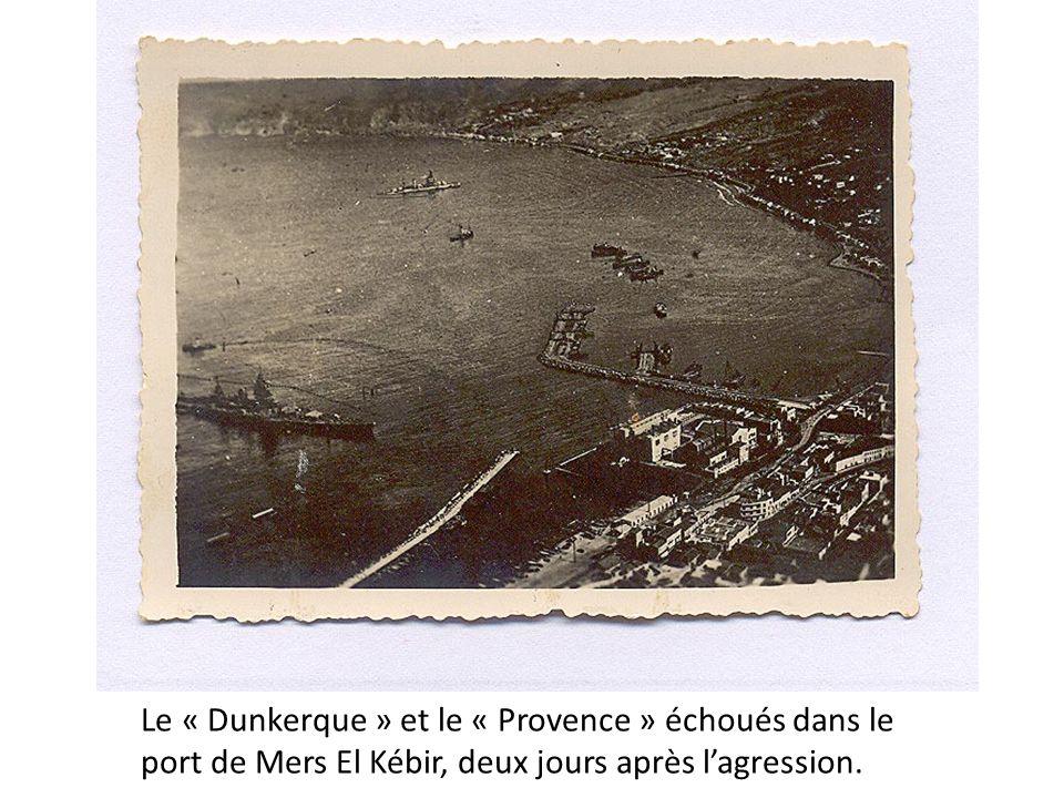 Le « Dunkerque » et le « Provence » échoués dans le port de Mers El Kébir, deux jours après lagression.