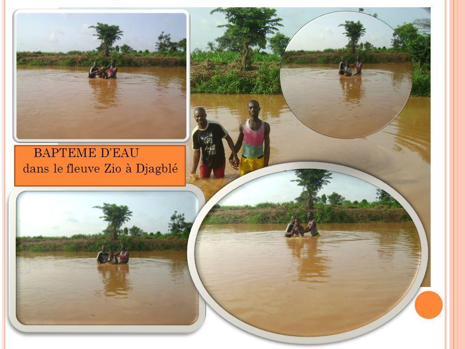 BAPTEME DEAU dans le fleuve Zio à Djagblé