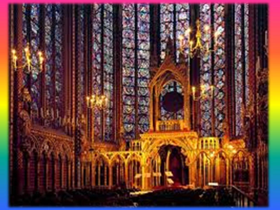 La Saint Chapelle Son origine remonte au roi Sr. Louis qui pour abriter les précieuses reliques de Notre Signeur, la couronne dépines et un morceau du