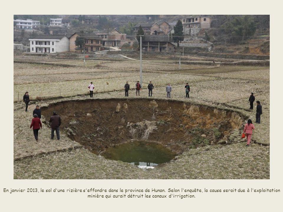En décembre dernier, un trou se forme sous un carrefour de Taiyuan, dans la province de Shanxi, en Chine.