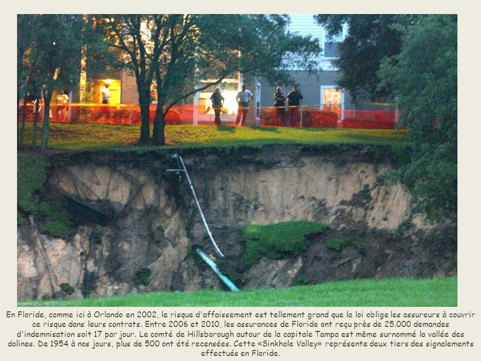 L'éclatement d'une canalisation, comme ici en 1995 à San Francisco, contribue également à la formation des dolines. Grand de 45 mètres sur 60, ce trou