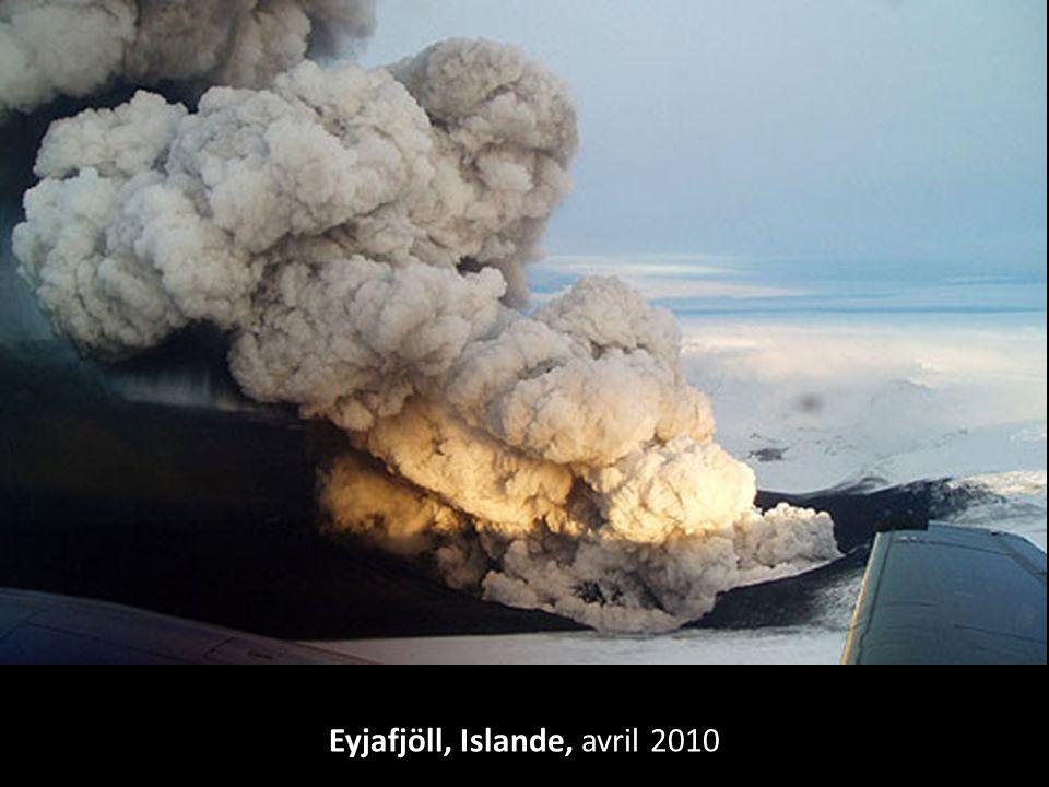 Parc de Yellowstone, États Unis Sous son sol se cache un super-volcan de plusieurs millions de km 3 de lave.