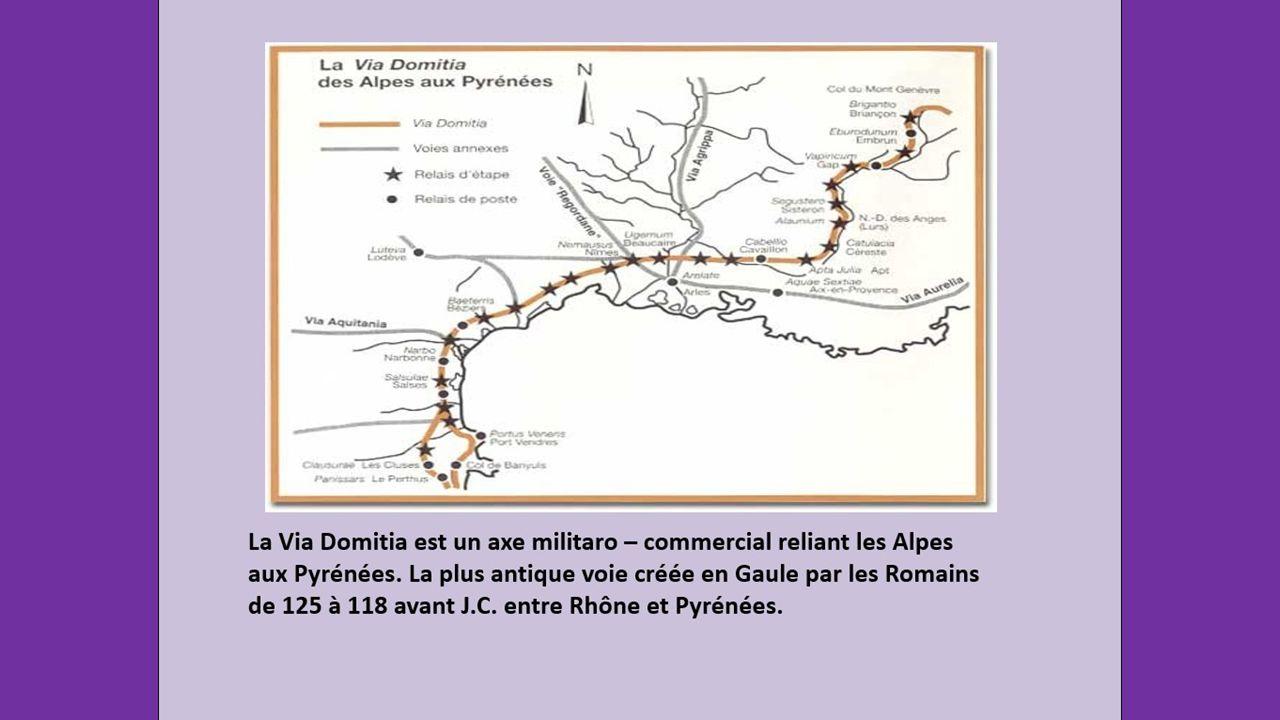 Empruntant les sentiers des Alpilles, la Via Domitia atteignait Tarascon avant de franchir le Rhône.