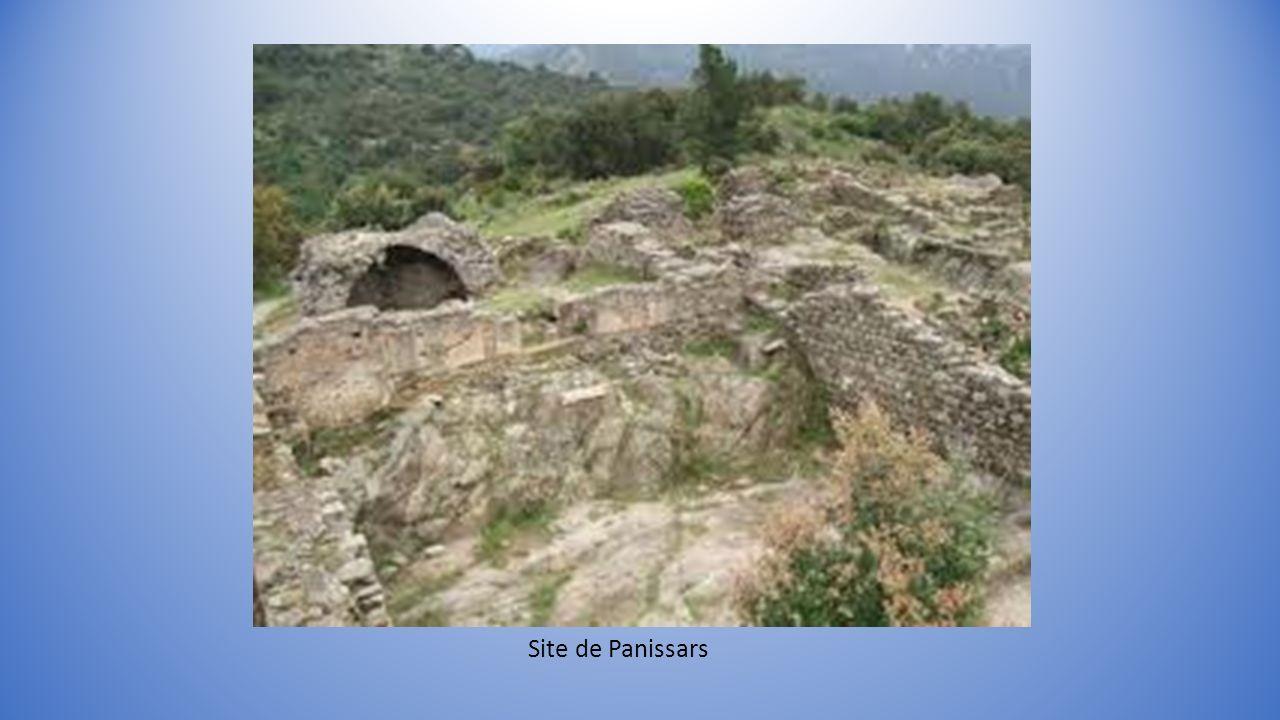 Arc de triomphe de Glanum et Pont de Saint Thibéry Vestiges de la Via Domitia. Document établi avec clichés du Net en complément du partage sur le thè