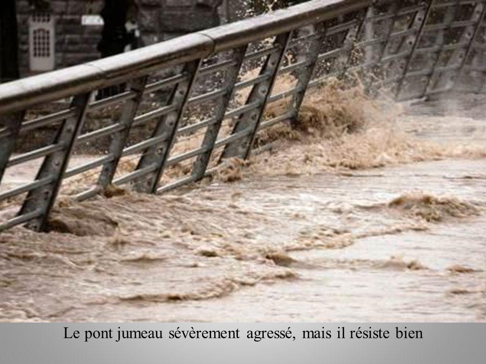LOURDES le 19 Octobre 2012 Le pont Jumeau