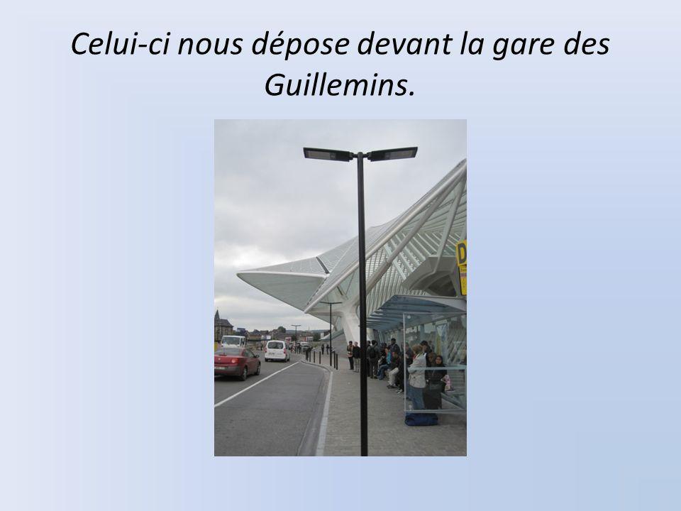 Celui-ci nous dépose devant la gare des Guillemins.