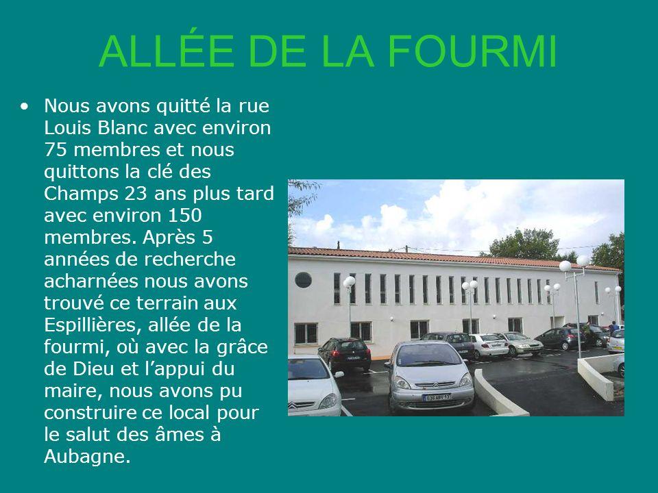 ALLÉE DE LA FOURMI Nous avons quitté la rue Louis Blanc avec environ 75 membres et nous quittons la clé des Champs 23 ans plus tard avec environ 150 m