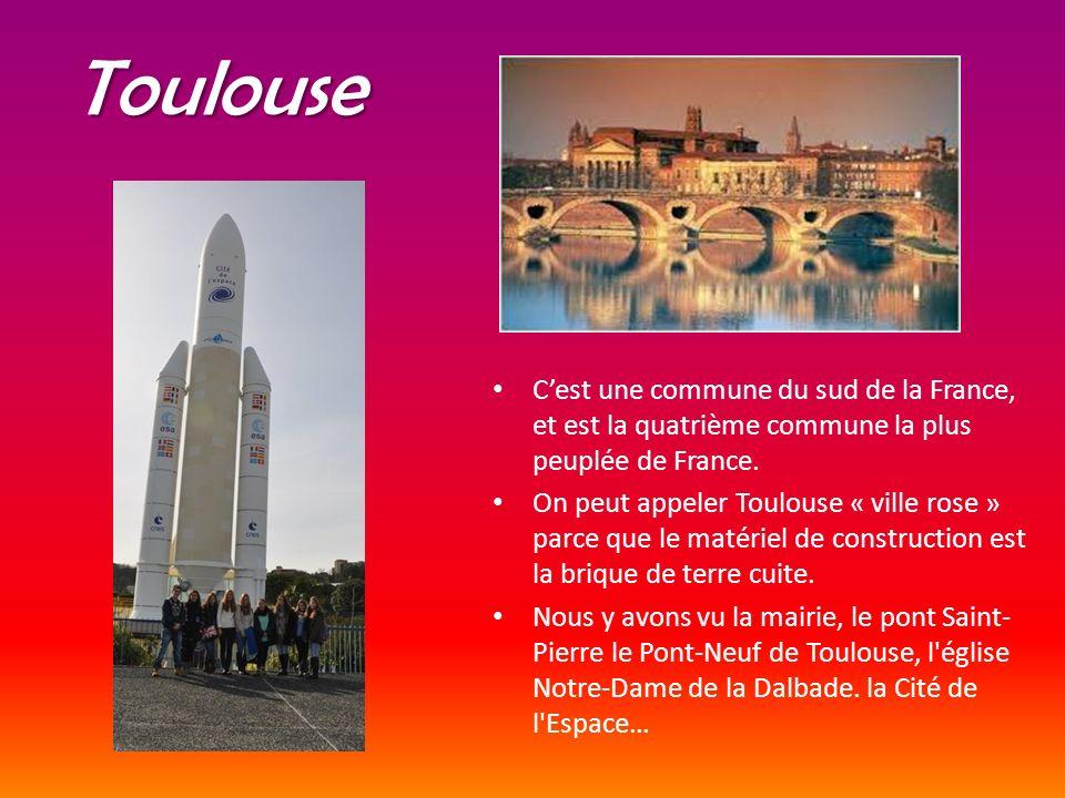Toulouse Cest une commune du sud de la France, et est la quatrième commune la plus peuplée de France. On peut appeler Toulouse « ville rose » parce qu