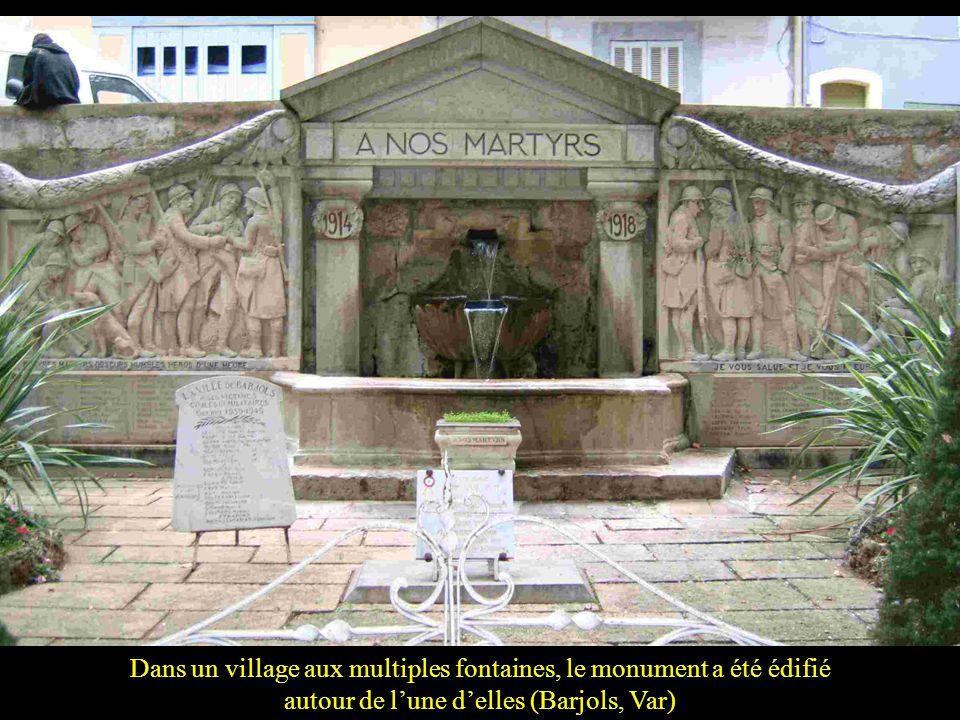 … parfois en compagnie de St Michel (Bergerac, Dordogne)