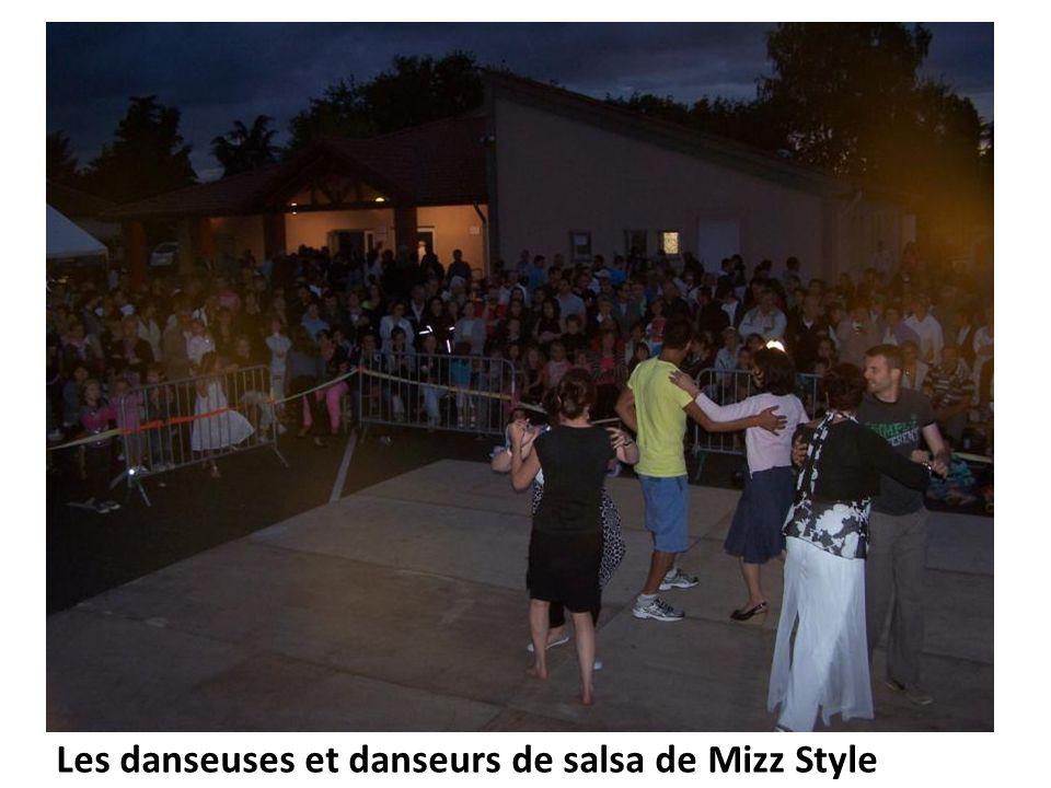 Les danseuses et danseurs de salsa de Mizz Style