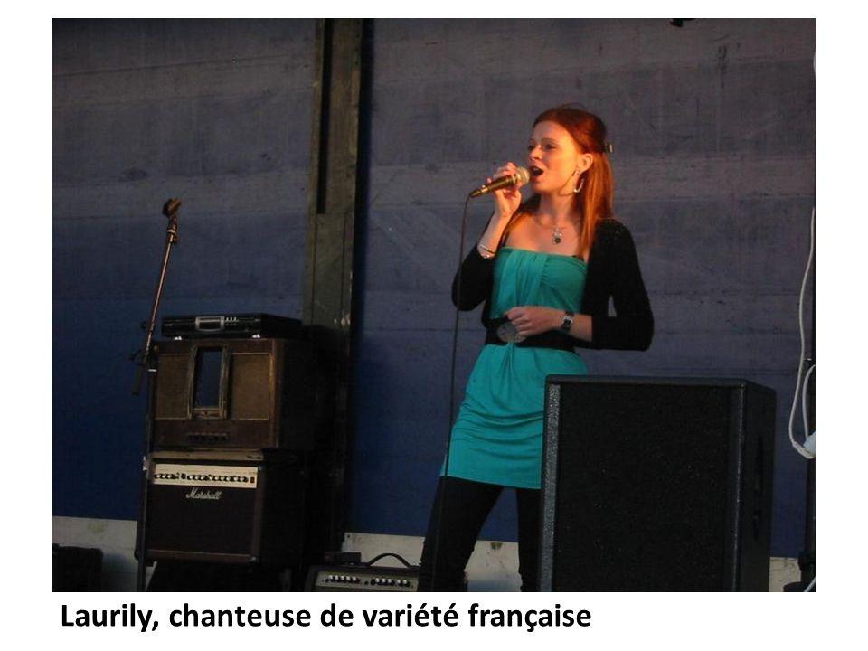 Laurily, chanteuse de variété française
